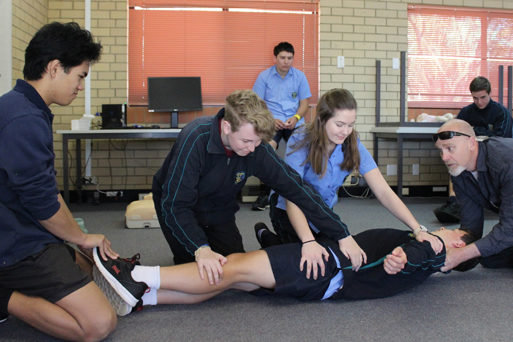 Year 11's Providing First Aid